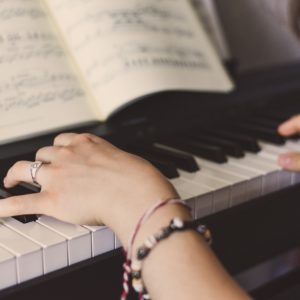 piano, aprender piano, alcala de henares, musica, artesuena, clases de piano, quiero tocar el piano